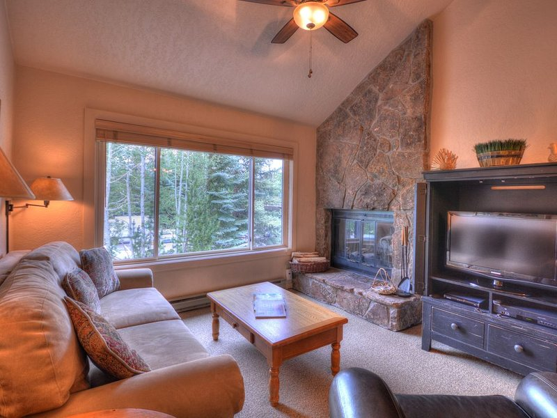 Villas at Snowmass Club 1202: Free ASE Airport Transportation, alquiler vacacional en Woody Creek