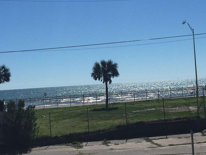 Kwik Kabana 'Where the Beach Counts', holiday rental in Galveston Island