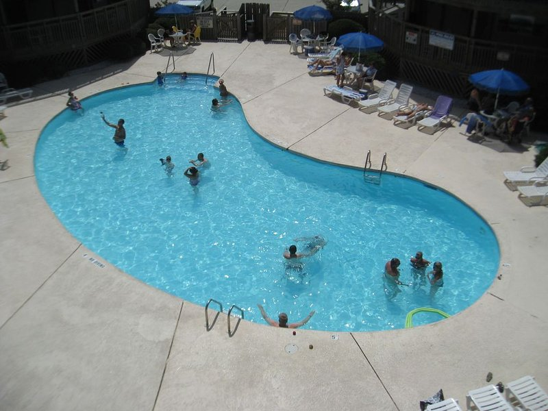 OCEANFRONT RESORT WITH 3 Pools, $20 Golf Passes, YMCA, Updated 2016, holiday rental in Kill Devil Hills