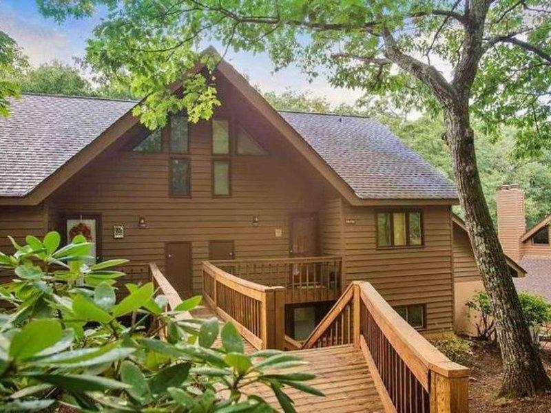 Come Relax in Wintergreen! Pet friendly, comfy and convenient!, location de vacances à Wintergreen