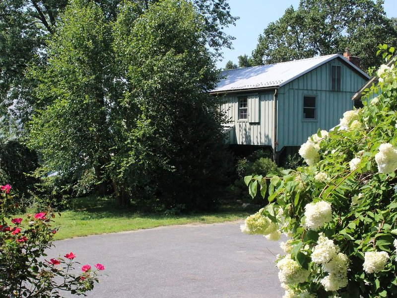 Charming Farm Cottage, vacation rental in Hampstead