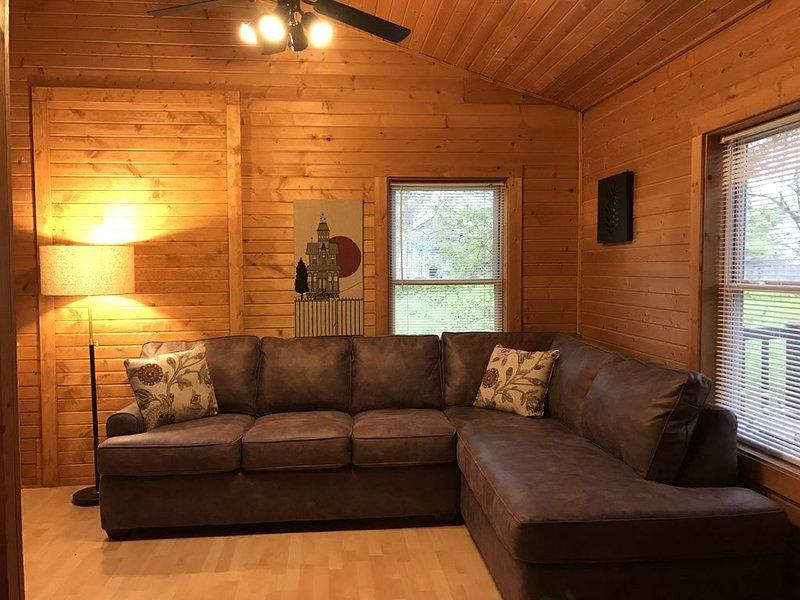 Área de estar antes de la alfombra nueva