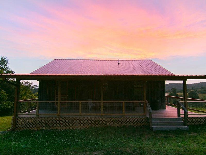 Cabaña al amanecer