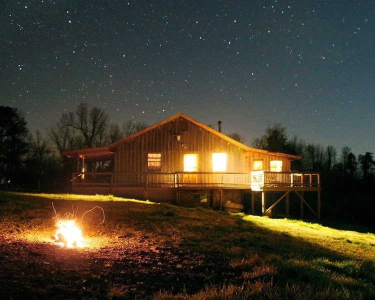Cozahome Cabin near the Buffalo National River and Lower Buffalo Wilderness Area, holiday rental in Harriet