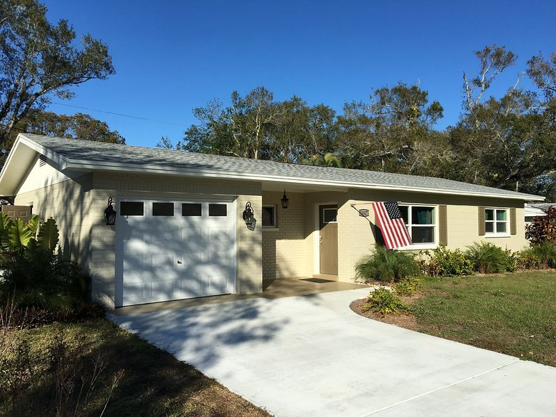 Cozy 2BR/2BR, pool, jacuzzi, 10 minutes to beaches – semesterbostad i Largo