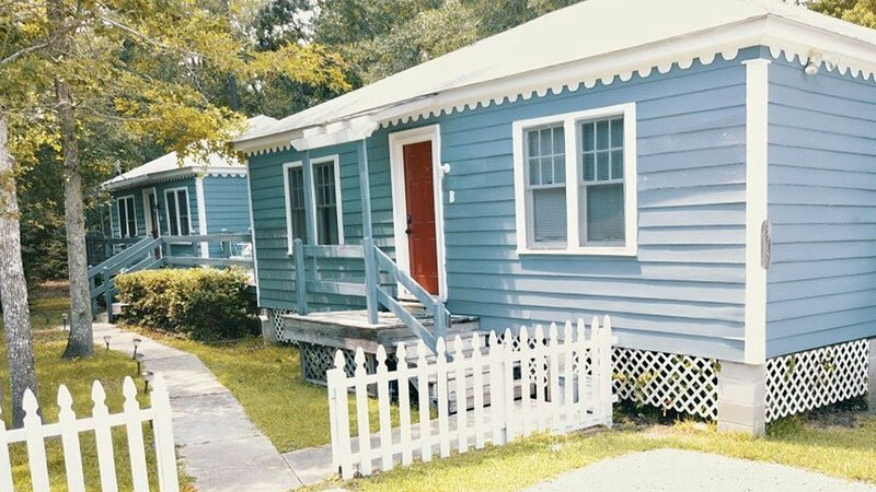 Friendship Cottages, (Flamingo) 3 blocks from the Pass Christian Beach, holiday rental in Pass Christian
