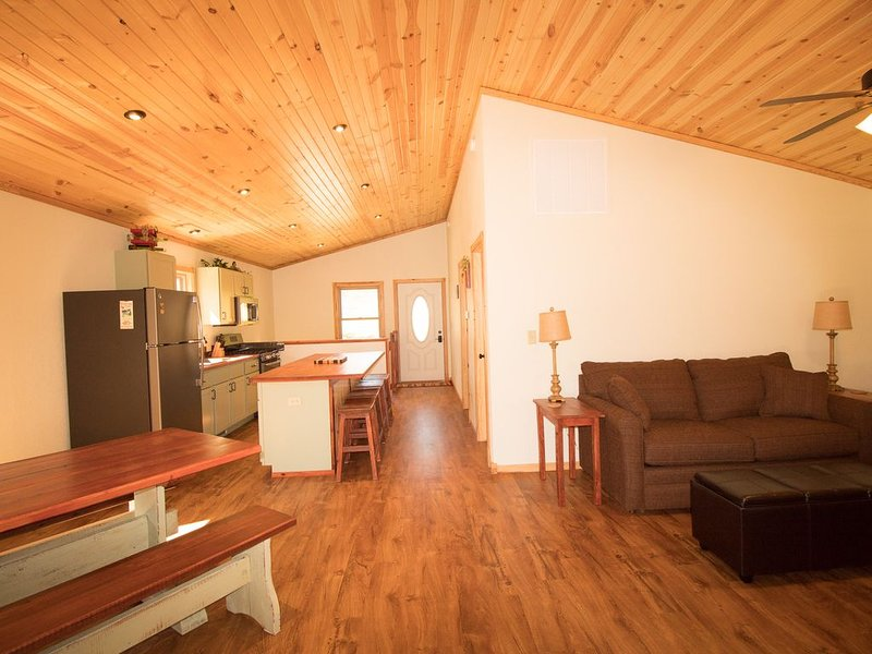 Great Deal! Cave Creek Cabin #1in Alto Pass near Bald Knob and Shawnee Forest, holiday rental in Cobden