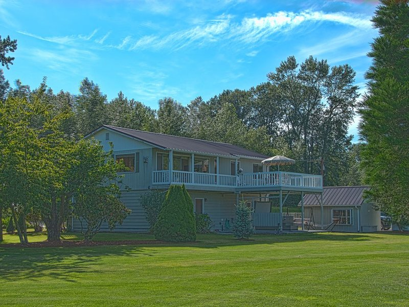 Spacious Skagit Valley Guest House With Stunning Views Of Mount Baker., location de vacances à Mount Vernon