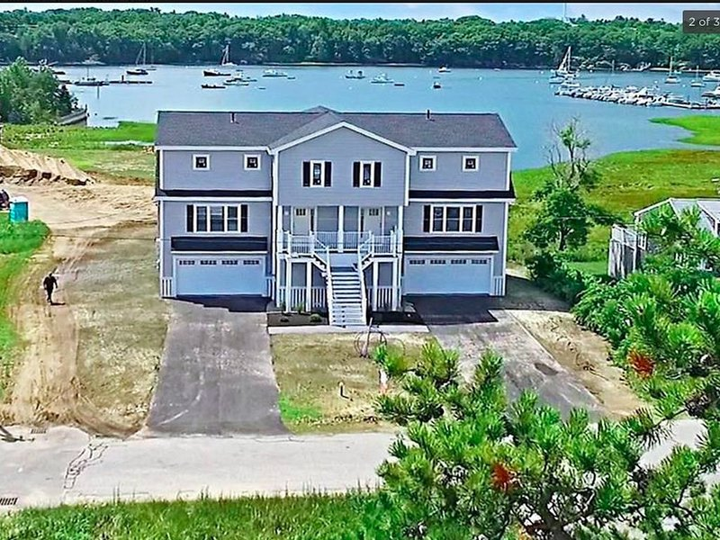 Beautiful new home in Camp Ellis - spectacular water views and steps to beach, alquiler de vacaciones en Biddeford Pool
