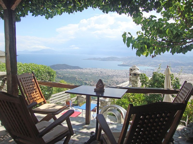 Art Mansion in Makrinitsa, holiday rental in Katochori
