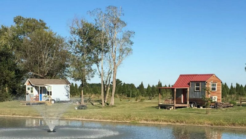 Tiny House on the Christmas Tree Farm, holiday rental in Rosharon
