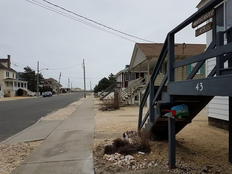 Ocean at end of street