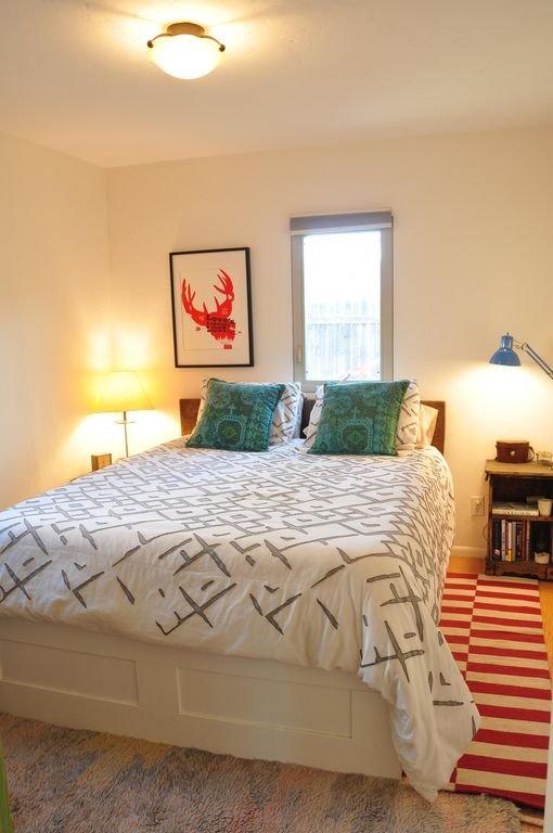 Organic Cotten sheets, West Elm bedspread, luxury mattress.