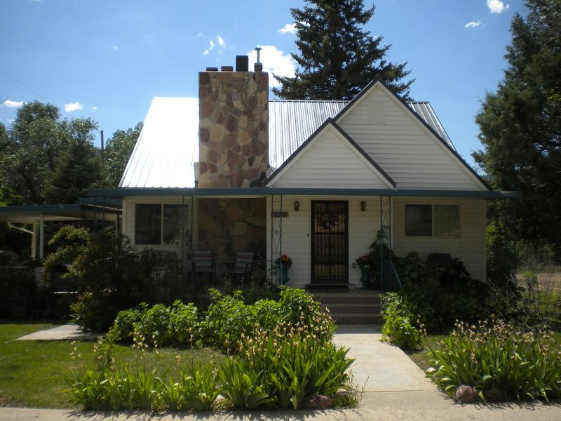 Zion and Bryce Canyon Getaway, holiday rental in Mount Carmel