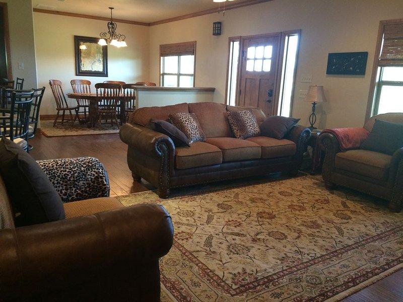 Ranch House retreat Near Weatherford/Mineral Wells, location de vacances à Springtown