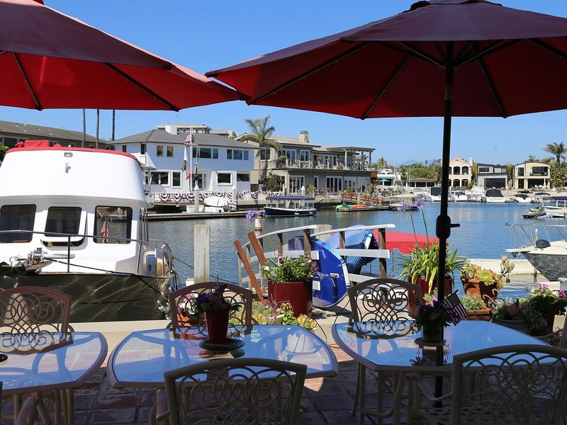 FREE USE OF BOAT, (21' Duffy)  WITH GORGEOUS PROPERTY, holiday rental in Newport Beach