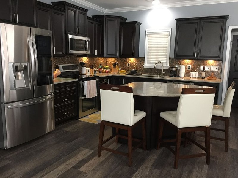 Gorgeous Fully Equipped Family Home for Vacation Rentals, vacation rental in Clayton