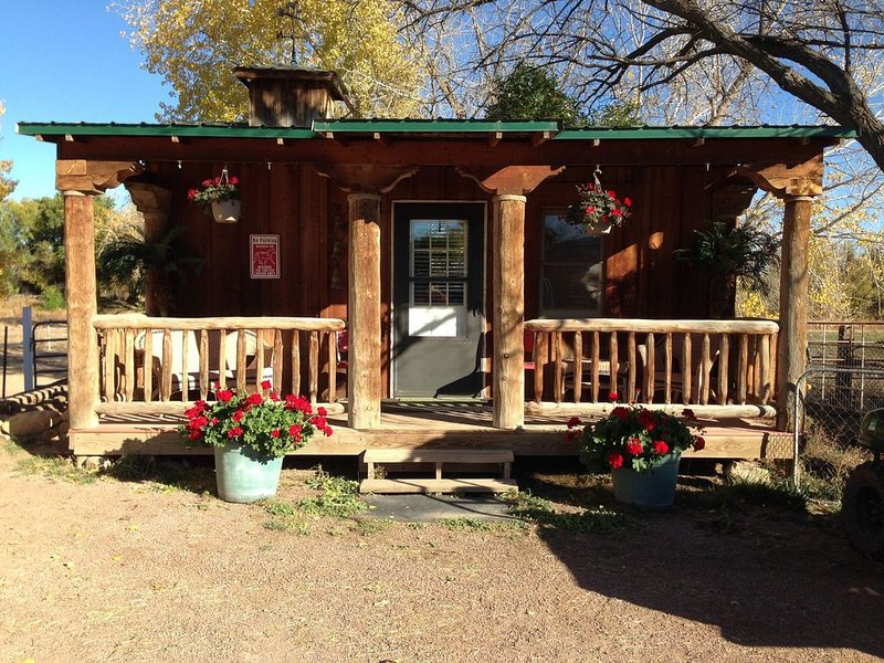 COZY TINY Bunkhouse  near Four Mile Creek, holiday rental in Canon City