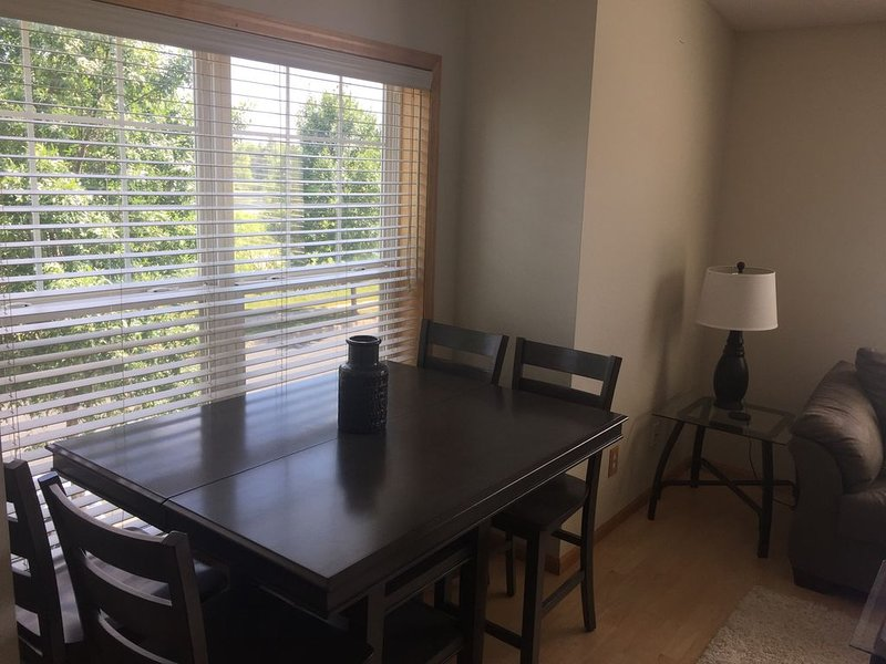 Chaska Executive Condo, holiday rental in Victoria