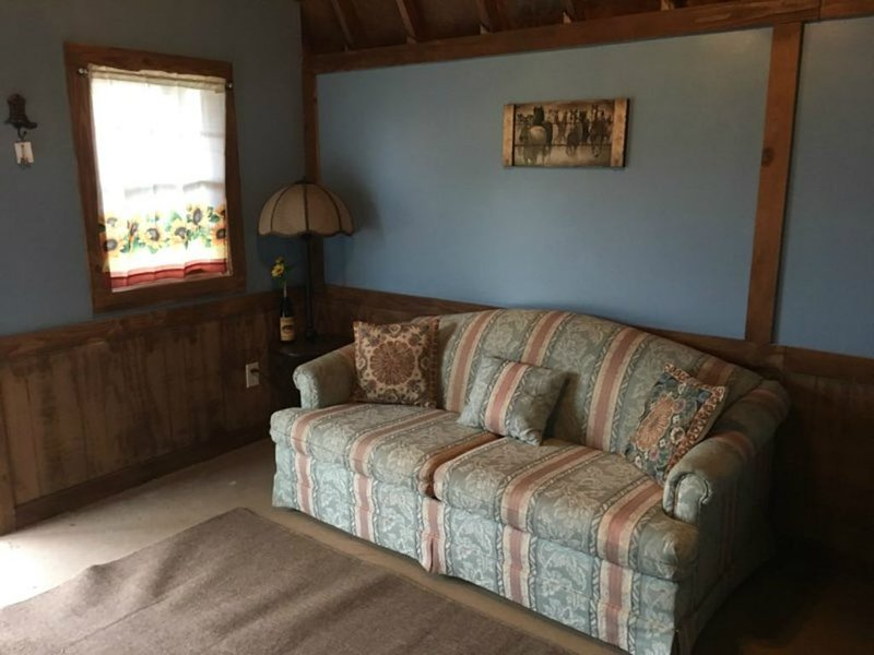 Rustic Horse Cabin on a Ranch, vacation rental in Sharpes