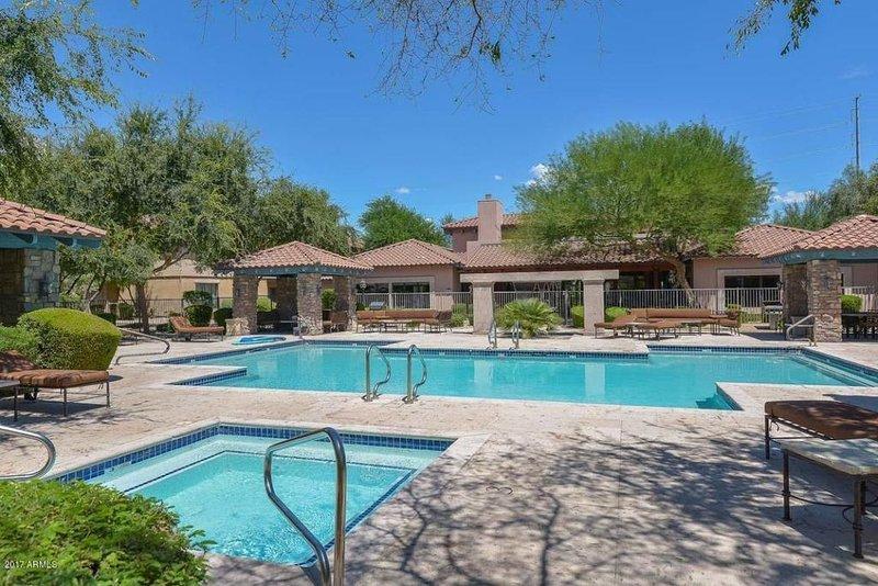 Luxury Condo in Upscale Desert Ridge Area, vacation rental in Paradise Valley