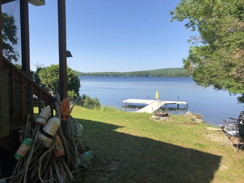 Beautiful Cottage on Molasses Pond, vacation rental in Aurora