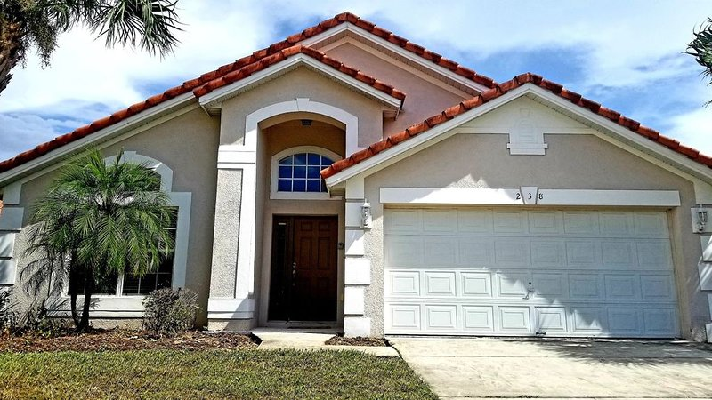 Disney Villa in a resort loaded with amenities ~ Less Than 8 Miles To Disney, vacation rental in Loughman