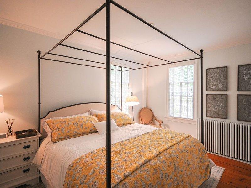The Gables of Rhinebeck Inn (Blue Ridge Suite), alquiler de vacaciones en Red Hook