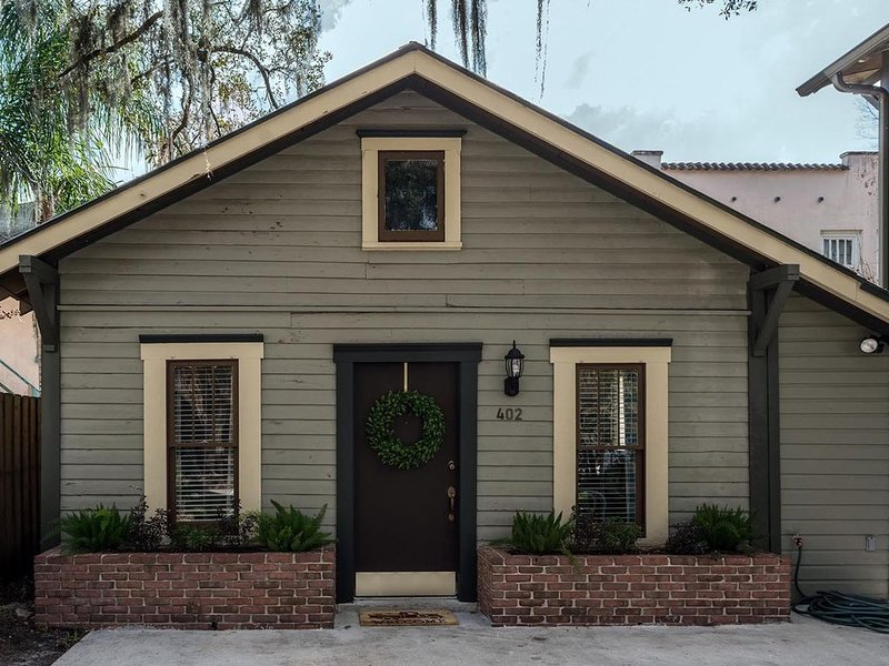 Downtown Orlando-Harwood House-Lake Eola Heights- Historic District, holiday rental in Orlando
