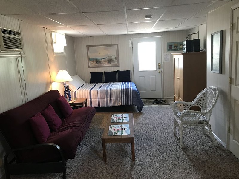 Studio Apartment Downtown Lake Geneva Sleeps 3, alquiler vacacional en Rochester