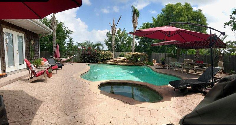 The Beautiful Z Inn * San Leon, vacation rental in Seabrook