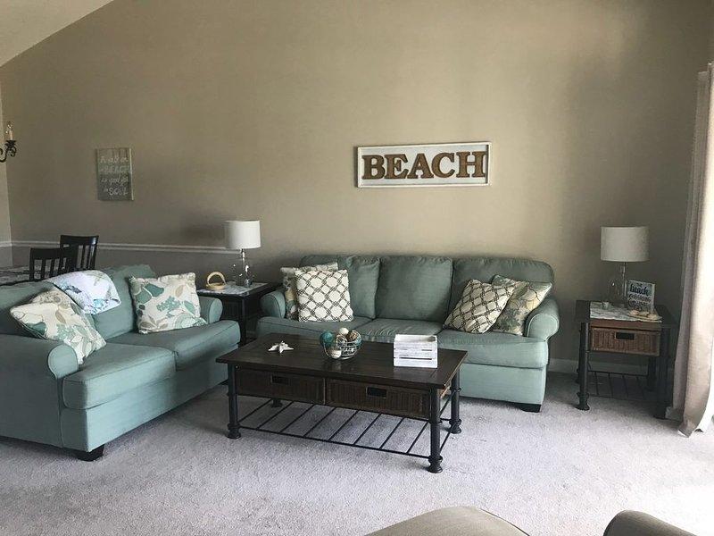 2 Bedroom 2 Bath Condo in Barefoot Resort, holiday rental in North Myrtle Beach