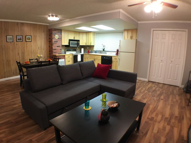 Cozy 1-Bedroom House In the Heart of Kennewick - Great Corporate House, casa vacanza a Tri-Cities