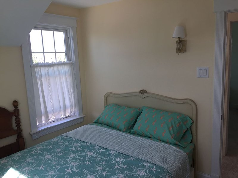 Charming Stone Harbor Cottage, holiday rental in Stone Harbor
