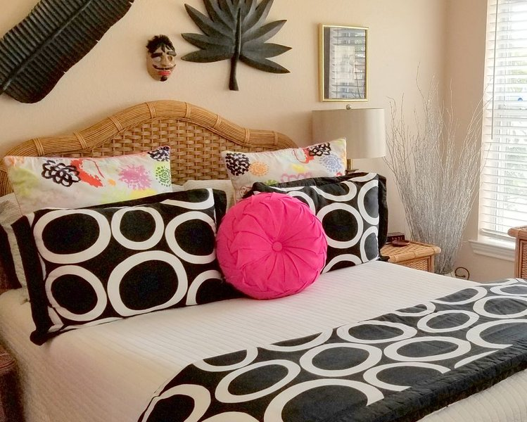 ★Bedroom for 2 People 20 minutes from BU/Silos★30+ Amenities★Clean★Quiet, holiday rental in Lorena