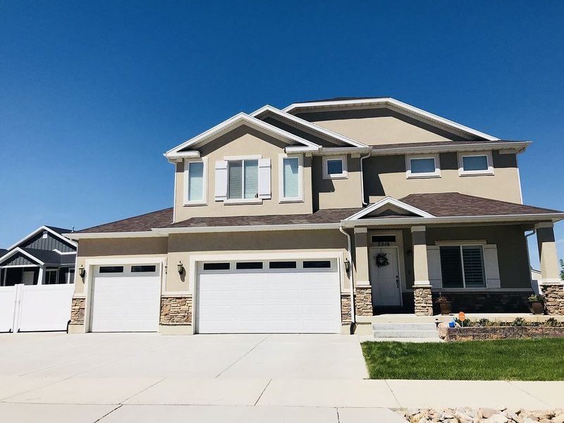 Conveniently located, 2 bedroom 1 bath, luxurious basement apartment., holiday rental in Davis County