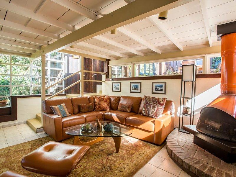 La Jolla Paradise at Winter rates,  Redwood Windansea Beach bungalow, Hot Tub,, holiday rental in La Jolla
