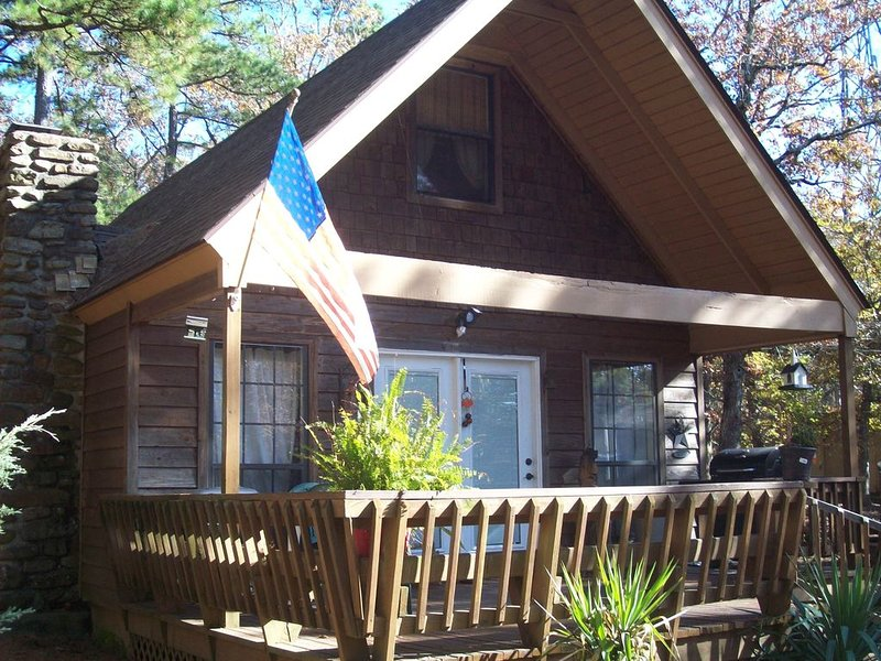 Privately owned chalet located on top of Mt Nebo, Arkansas, holiday rental in Russellville