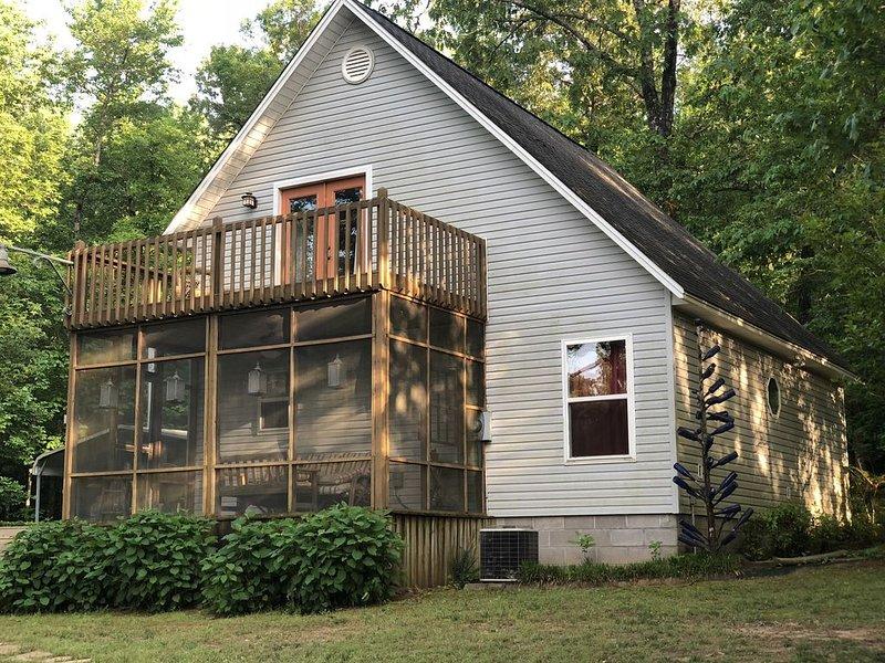 Crooked H Cabin on the Mulberry River, aluguéis de temporada em Coal Hill