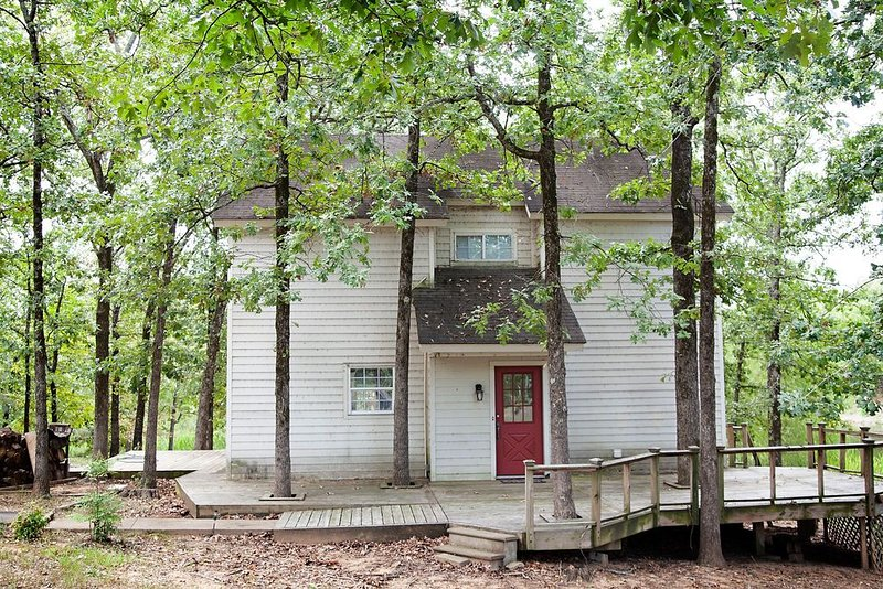 3 Bedroom 2 Bath Cozy Country Home with beautiful scenery, holiday rental in Powderly
