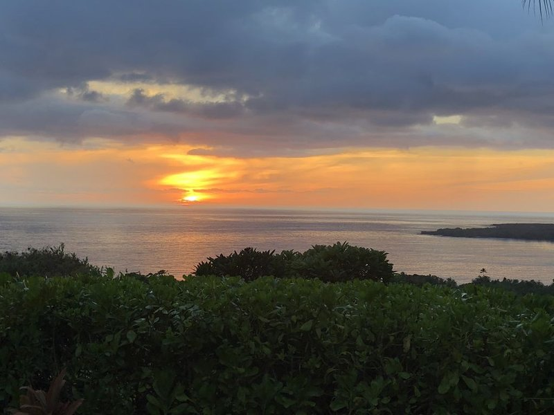 Here each full day ends with a magnificent sunset over the ocean.  Perfect.