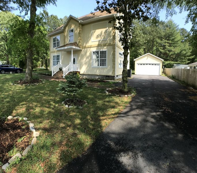 Happy Summer Get Away House, vacation rental in South Bethany