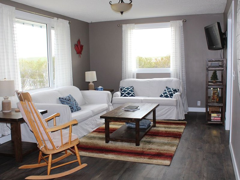 Newly renovated 3 bedroom, 1 bath home on a working ranch, vacation rental in Cardston