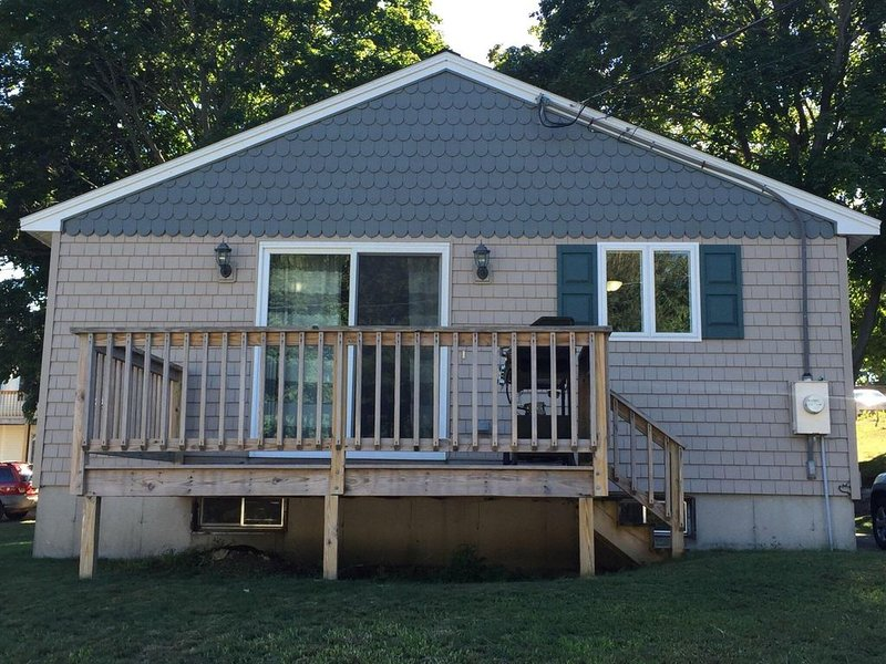 Walking Distance To Beach And Downtown!!!, holiday rental in Old Orchard Beach