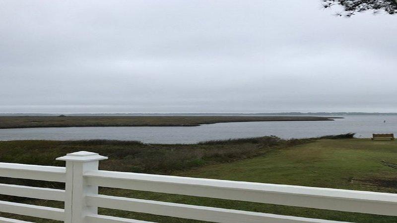 Life at the coast is always better, casa vacanza a Cedar Island