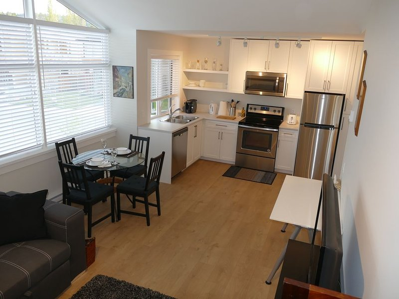 The Eagle's Nest - NEW LISTING, holiday rental in Central Saanich