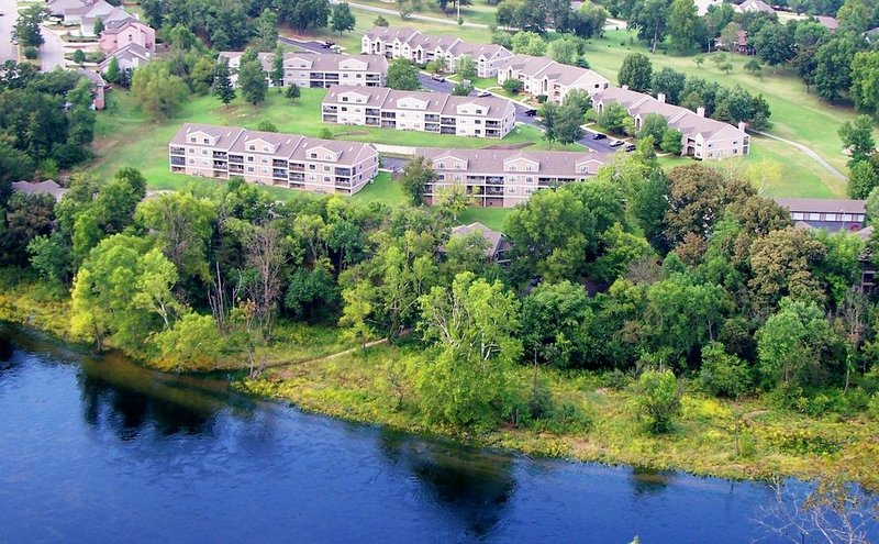GROUND LEVEL UPDATED Condo 3 Bedroom 2 Bath Unit, holiday rental in Branson