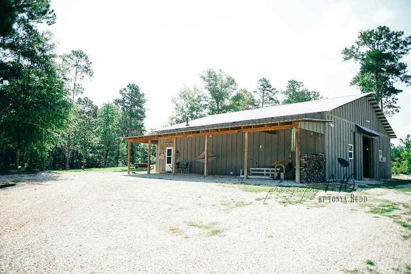 Beautiful Rural Setting ~ 1 bed/1bath ~ Sleeps 6 ~ Convenient to Tuscaloosa, holiday rental in Fosters