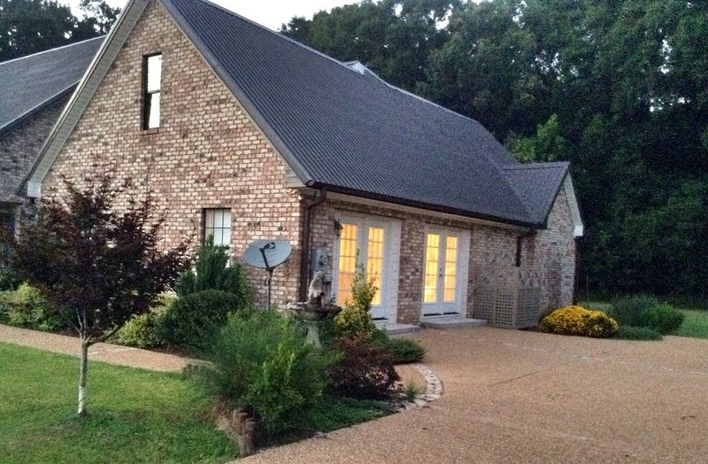 All the Comforts of Home!, holiday rental in Natchez