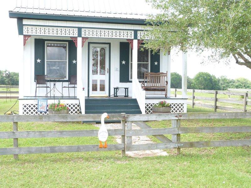 Gander's Down Ranch  Cottage, location de vacances à Schulenburg